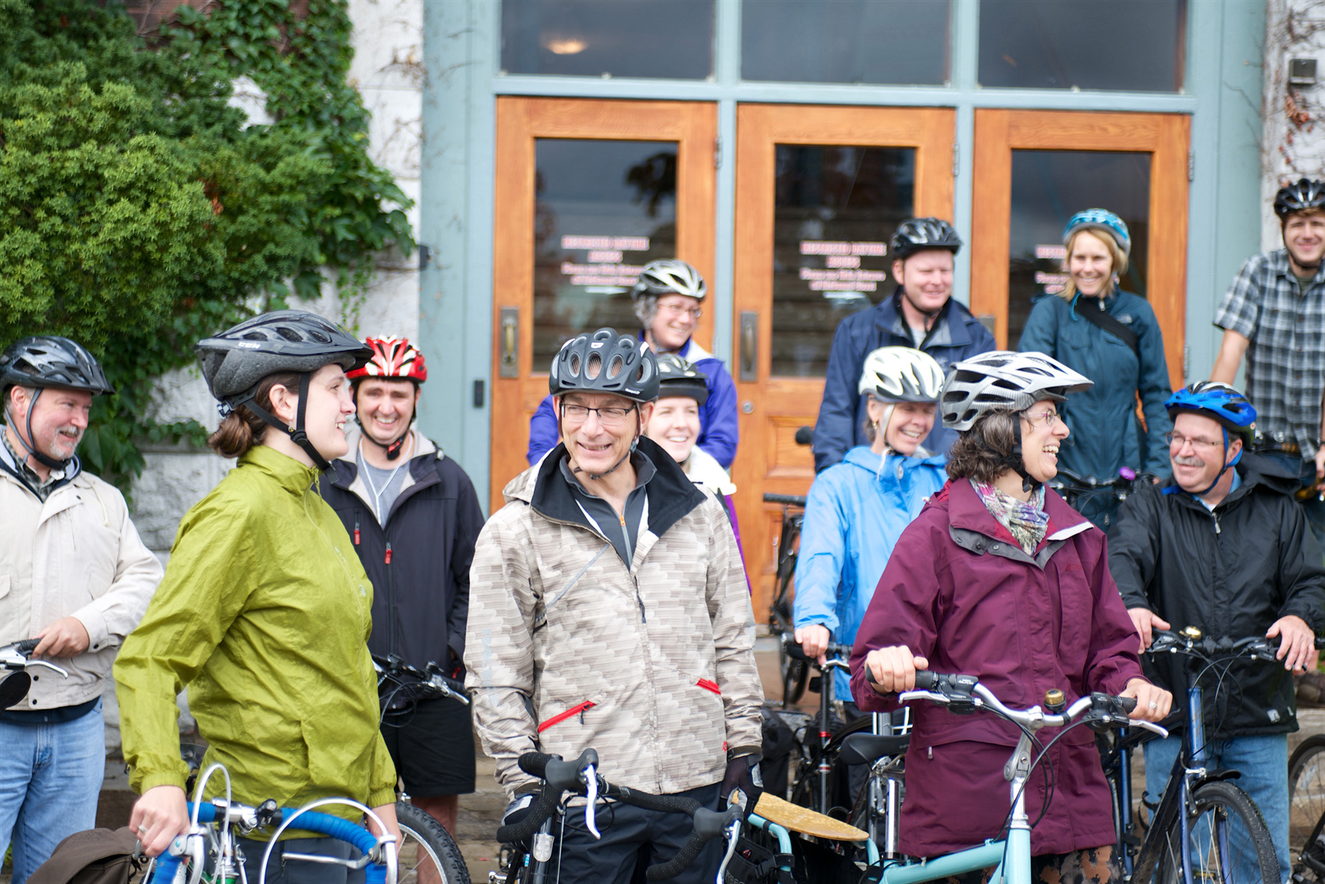 CYCLE TOUR GROUPS GETTING READY TO GO
